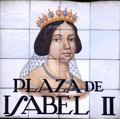 plaza de Isabel II madrid
