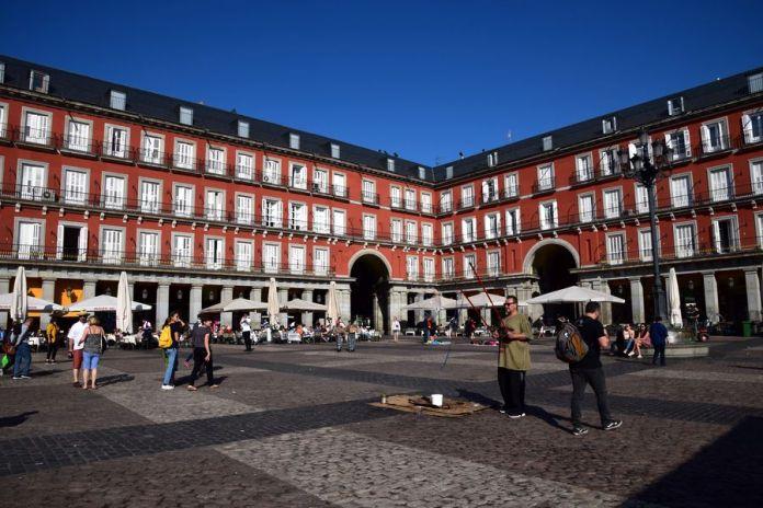 façades régulières plaza mayor Madrid