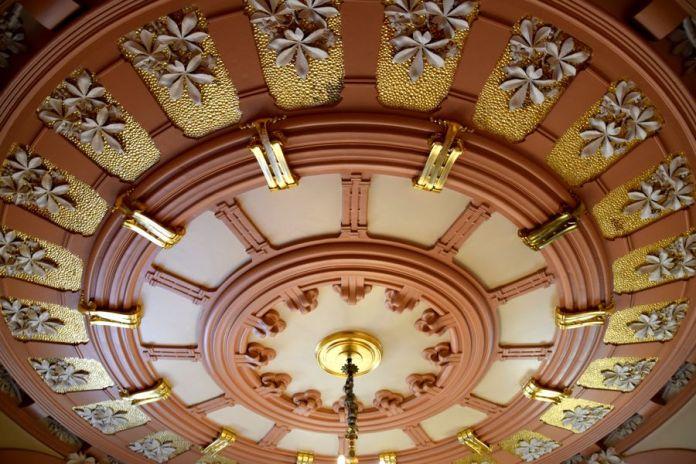 plafond entrée palais longoria madrid