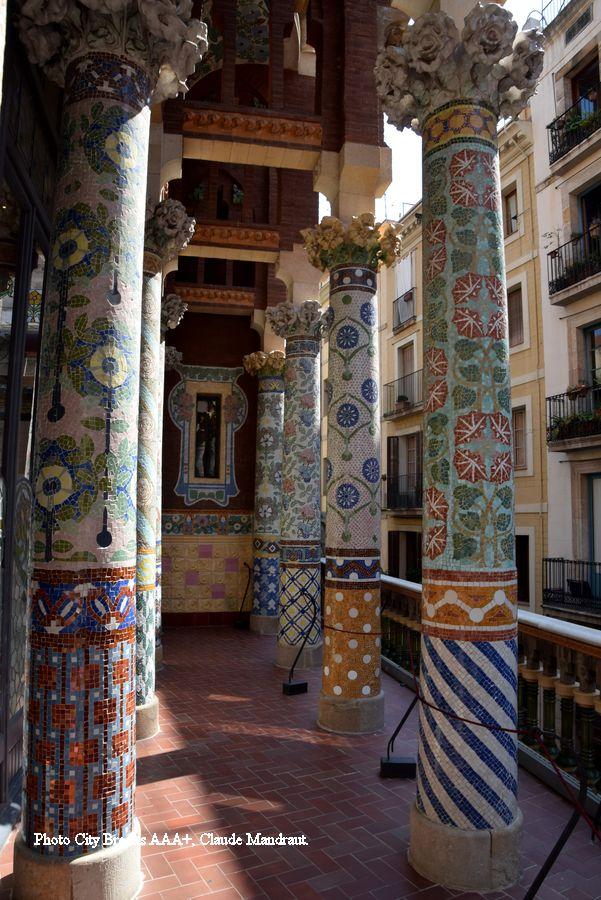 galerie extérieure Palais de la Musique Catalane Piliers