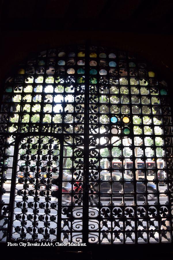 grille monumentale palais Baro de Quadras