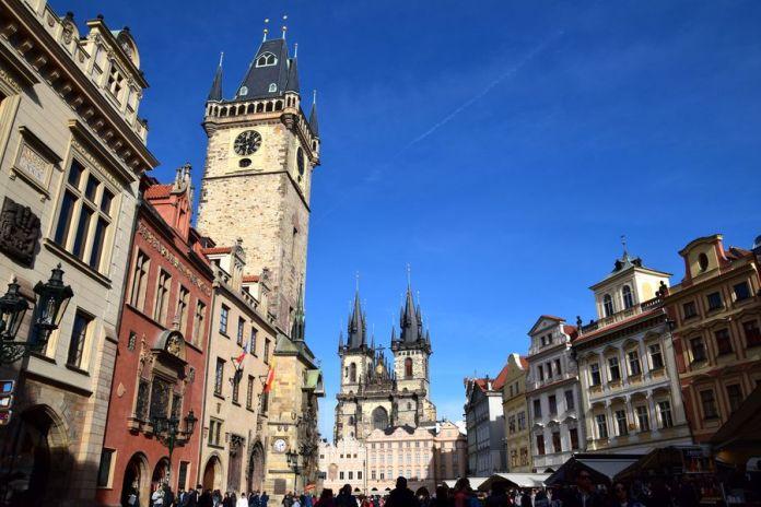 Prague, Vieille Ville, Hôtel de Ville, église du Tyn