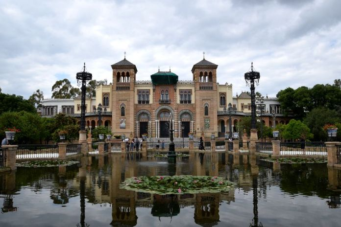 Séville, pavillon, mudejar