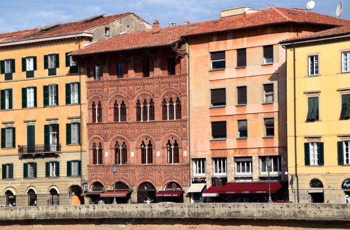 palais agostini pise