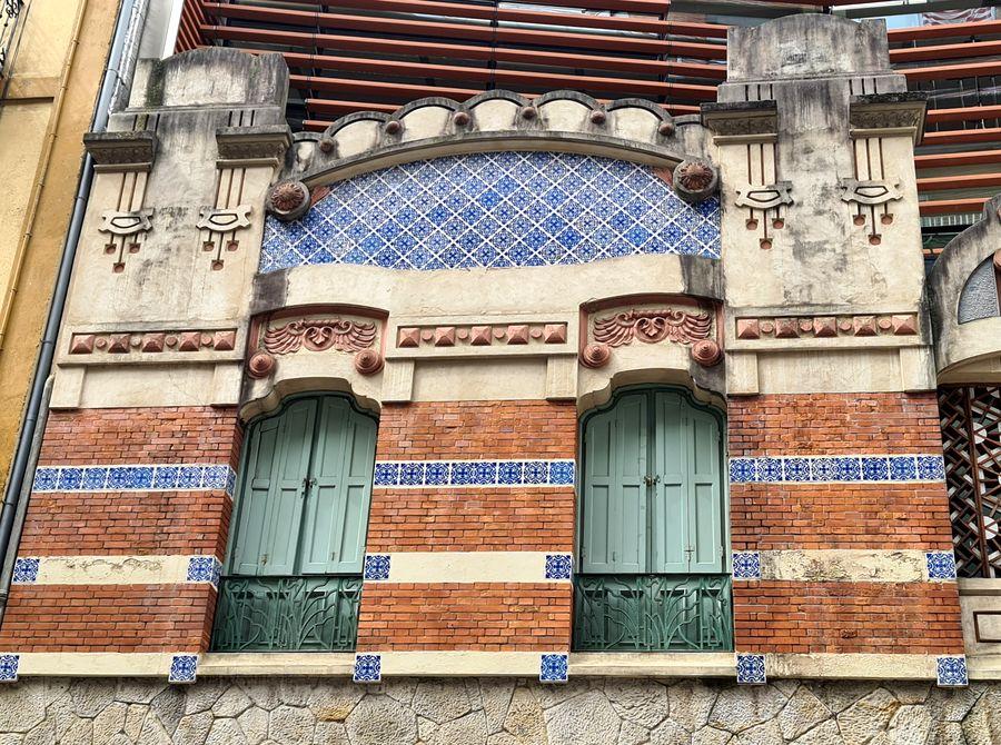 polychromie, mélange de matériaux modernistes Bilbao
