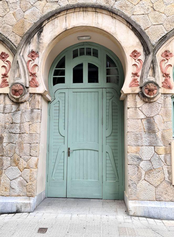 porte moderniste Castanos Bilbao