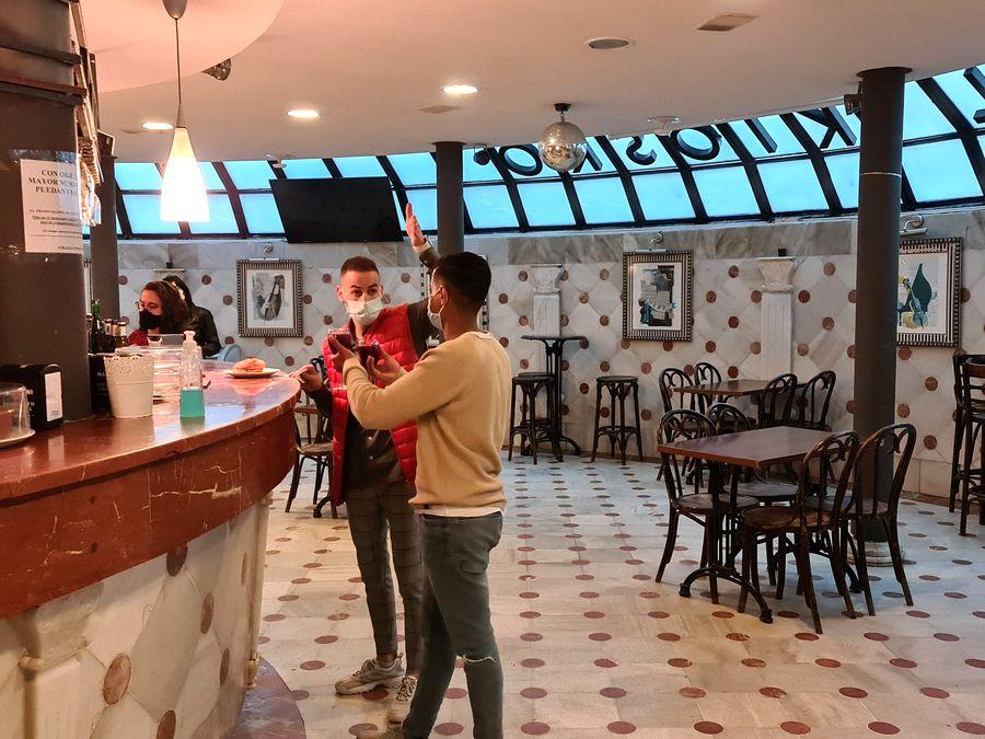 bar en marbre du Kiosque de l'Arenal Bilbao