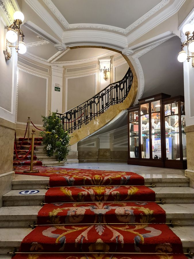escalier arrondi sociedad bilbaina bilbao